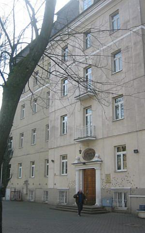 Lauder school in Warsaw, exterior (courtesy)