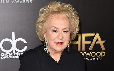 Doris Roberts arrives at the Hollywood Film Awards in Beverly Hills, California on Nov. 1, 2015. (Jordan Strauss/Invision/AP, File)