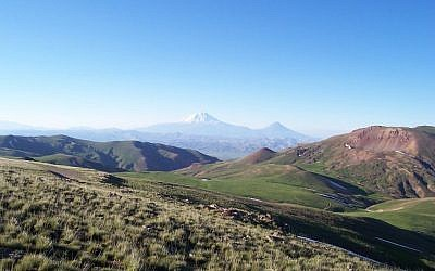 The Armenian Mountain Range near the Turkey-Iran border. (CC BY 3.0 Ahmet Soyak/Wikipedia)