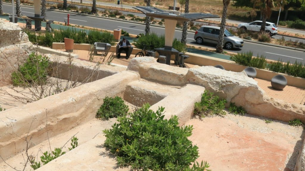 Family tombs dating back to the Roman era (Shmuel Bar-Am)