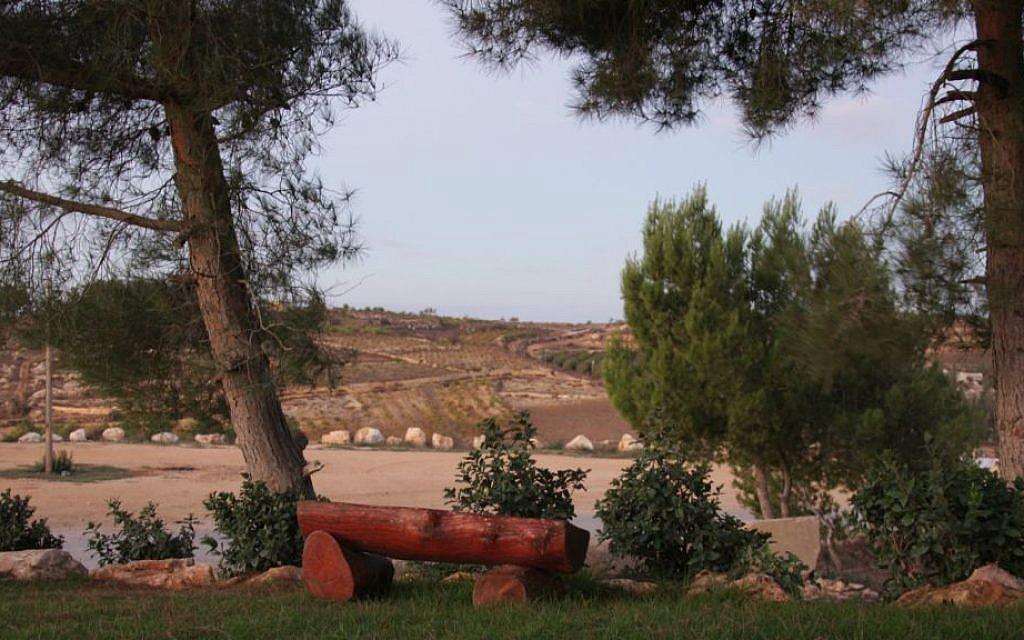 Early morning in Kfar Etzion (Shmuel Bar-Am)