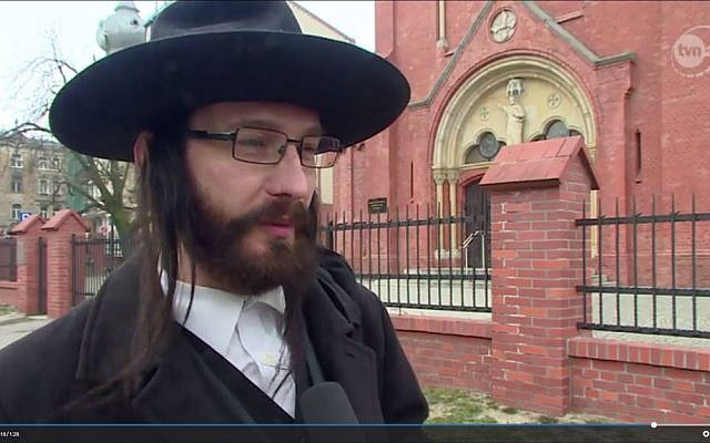 Rabbi Jacoob Ben Nistell, from Haifa, Israel, who is actually Jacek Niszczota, from Poland (TVn24.pl screenshot)