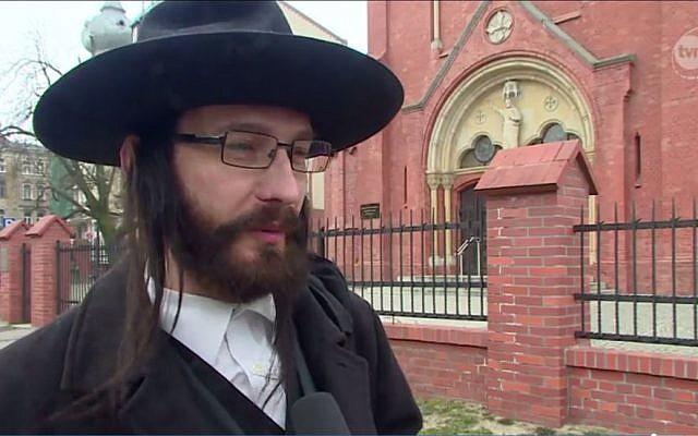 Rabbi Jacoob Ben Nistell, from Haifa, Israel, who is actually Jacek Niszczota, from Poland (TVn24.pl screenshot)