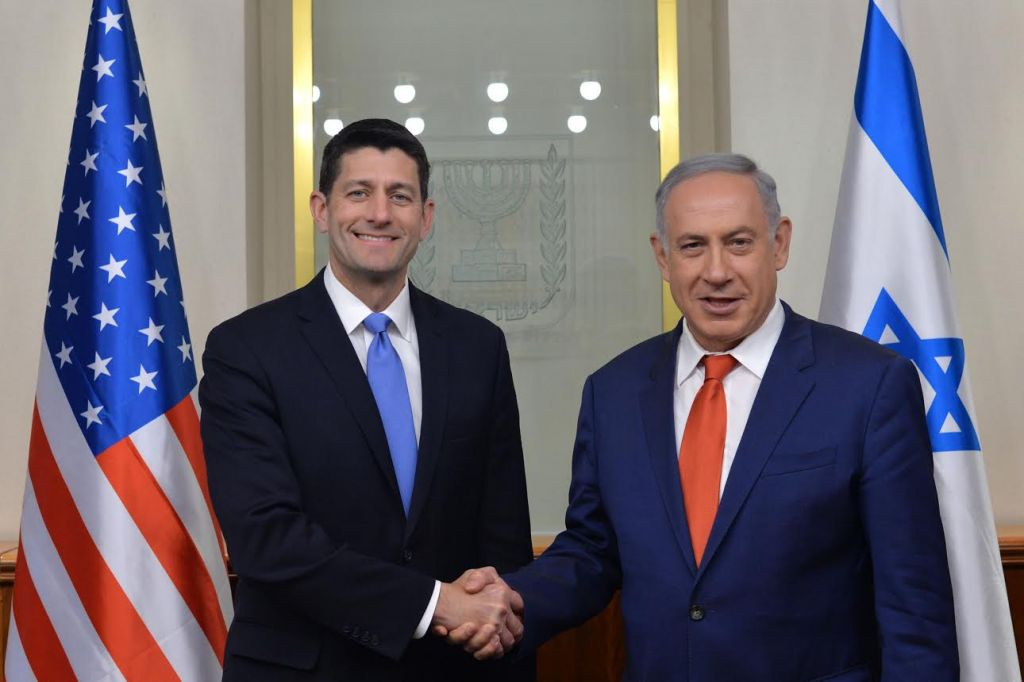 US House Speaker Paul Ryan, left, meeting with Benjamin Netanyahu in Jerusalem on April 4, 2016. (Kobi Gideon/GPO)