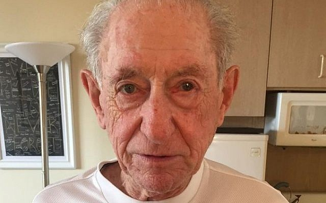 Henry Flescher, 92, of Aventura, Florida hosted a Reddit Ask-Me-Anything forum on April 3, 2016 to answer the community's questions. (Imgur)