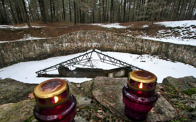 A memorial to the 70,000 Jews of Vilnius and its environs killed by Nazis and their accomplices during World War II, Vilnius, Lithuania, February 16, 2016. (AFP/Petras Malukas)