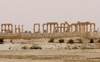 (FILES) This file photo taken on April 9, 2016 shows a view of the Great Colonnade in the ancient city of Palmyra in central Syria. (AFP PHOTO / LOUAI BESHARA)