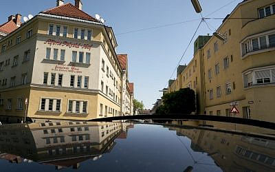 "Picture taken on May 6, 2016 shows a block of the ""Alfons-Petzold-Hof"" council housing, built between the wars in Simmering, the working class district of Vienna governed for almost a century by the left but since last year by the far-right. (AFP /Joe Klamar)"
