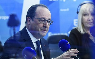 France's President Francois Hollande speaks during a morning radio show on France's Europe 1 station in Paris, May 17, 2016. (AFP/Miguel Medina/Pool)