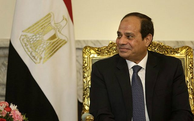 Egyptian President Abdel Fattah el-Sissi listens to US Secretary of State John Kerry during a meeting at the presidential palace in Cairo on May 18, 2016. (Amr Nabil/Pool/AFP)