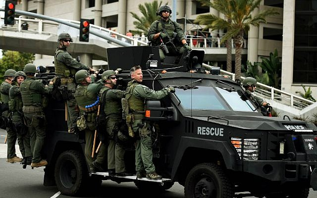 Police move into position as anti-Trump protesters are moved away from the Convention Center after a rally outside Republican presidential candidate Donald Trump's event in San Diego, California, on May 27, 2016. (Mark Ralston/AFP)