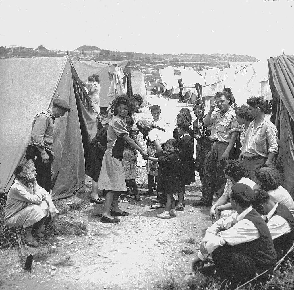 Immigrants at an unspecified transit camp in Israel, 1950 (Jewish Agency / Wikipedia)