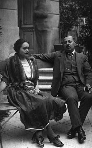 Jonathan Wittenberg's great-aunt Sophie and her husband Josef on a garden seat. The two lived with Regina at the beginning of the war, though all three were eventually murdered at Auschwitz (courtesy)