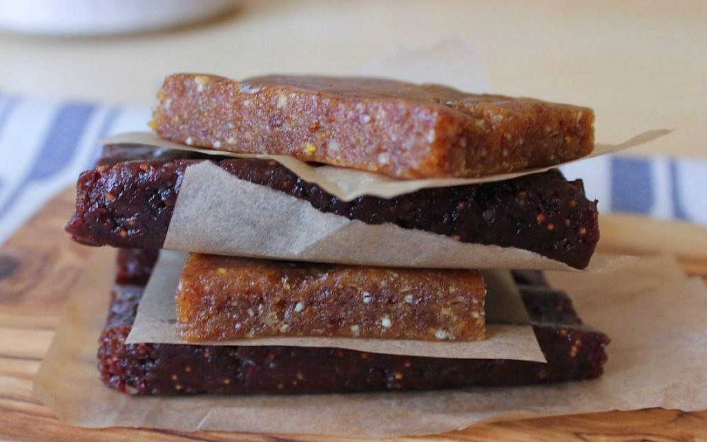 Gluten-free, vegan medjool date bars (Aly Miller)