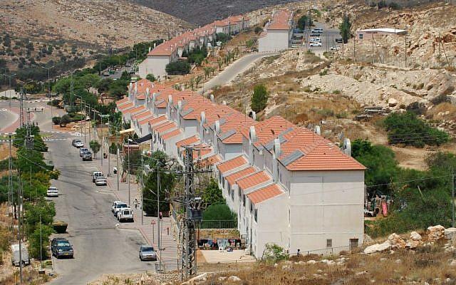 A general view of the settlement Avnei Hefetz, east of Tulkarem, July 31, 2009 (Gili Yaari/Flash90)