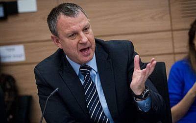 Zionist Union MK Erel Margalit attends a Finance Committee meeting at the Knesset on January 11, 2016. (Miriam Alster/Flash90)