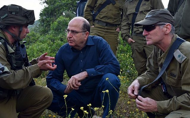 File: Defense Minister Moshe Ya'alon with IDF Deputy Chief of Staff Maj. Gen. Yair Golan and other soldiers, April 14, 2015. (Ariel Hermoni/Ministry of Defense/Flash90)