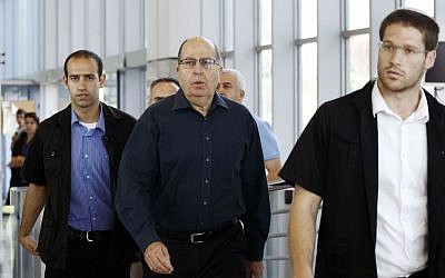 Outgoing Defense Minister Moshe Yaalon arrives at a press conference to announce his resignation from politics, at army headquarters in Tel Aviv on May 20, 2016. (Miriam Alster/Flash90)