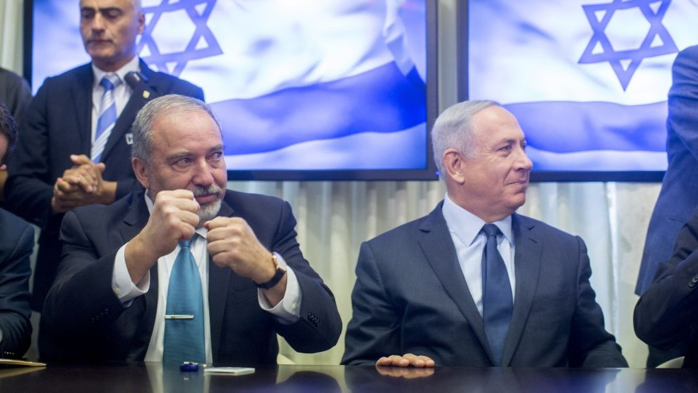Israeli PM avoids early elections over ultra-Orthodox draft