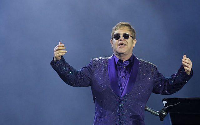 Sir Elton John performs in Tel Aviv on May 26, 2016. (Miriam Alster/Flash90)