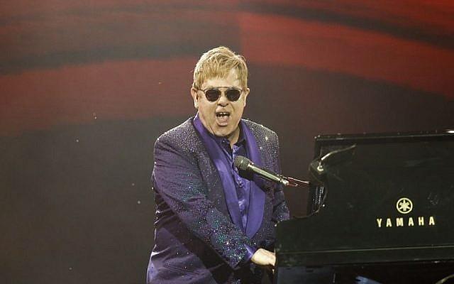 Elton John performs in Tel Aviv on May 26, 2016. (Nati Shohat/Flash90)