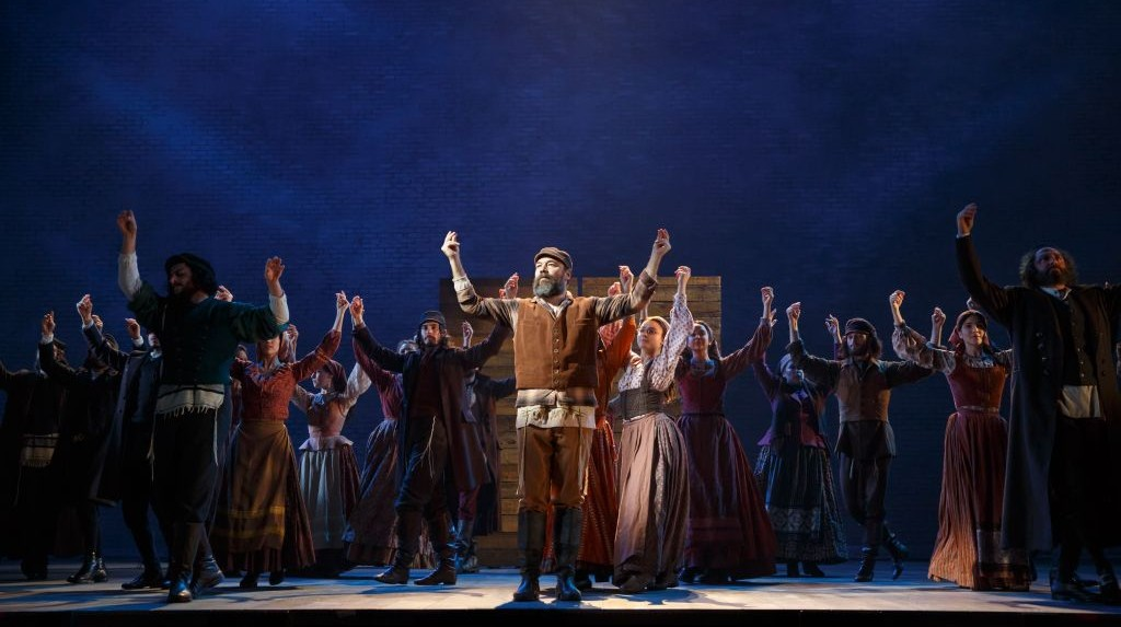 Danny Burstein and the Broadway cast of 'Fiddler on the Roof' (courtesy)