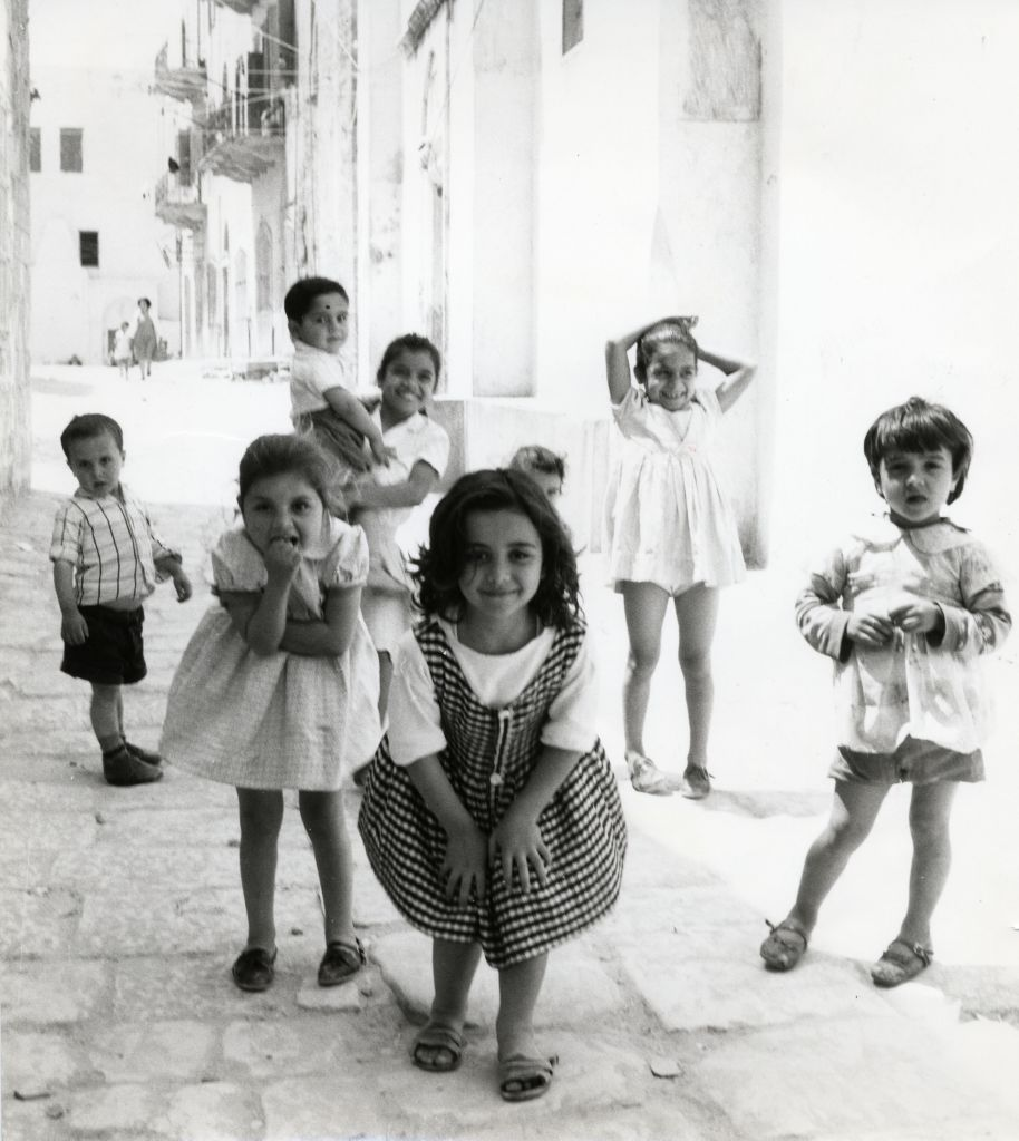 Haifa, Israel 1959 (Dorothy Bohm)