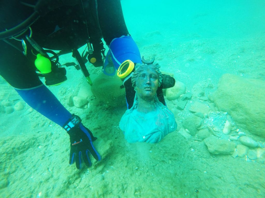 Divers Find Huge Trove Of Statues Coins In 1 600 Year Old