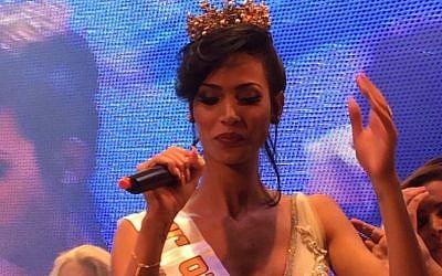 Ta'alin Abu Hanna reacting to being crowned Miss Trans Israel in Tel Aviv, May 27, 2016. (Breaking News, via JTA)