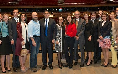 Ambassador Danny Danon is joined by Fiddler stars Danny Burnstein (Tevye), Jessica Hecht (Golde), and ambassadors from around the world (Nir Arieli/ Permanent Mission of Israel to the UN)