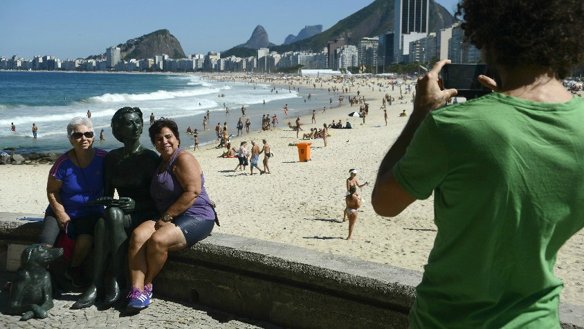 Statue Of Acclaimed Brazilian Jewish Writer Is New Photo Spot On Rio