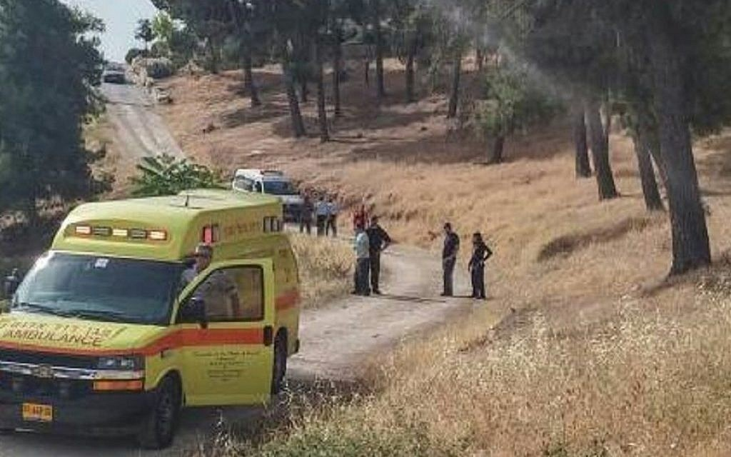 Rescuers at the site of a stabbing attack that left two elderly women moderately wounded, in Armon Hanatziv in southern Jerusalem, May 10, 2016. (Magen David Adom)