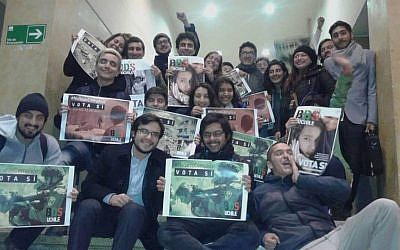 The University of Chile's Law Faculty Student Union celebrate after students voted to approve a boycott, divestment and sanctions resolution against Israel on April 27, 2016. (Facebook: BDS UChile)