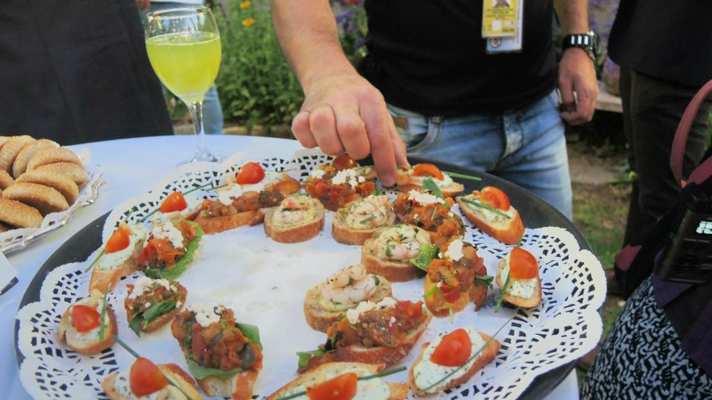 Attendees of a May 9, 2016 event at the US Consul General in Jerusalem snacked on Gaza produce and appetizers prepared by celebrated Palestinian chef Jamal Sobeh. (Melanie Lidman/Times of Israel)