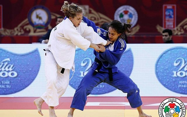 Israeli judoka Gili Cohen (in blue) takes on her competitor at the Grand Slam in Baku on May 6, 2016 (photo: G. Sabau/IJF Media)