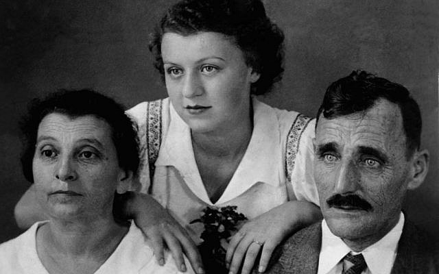 Isabel Schiller (center) as a teenager with her parents in Cuba. (Courtesy)
