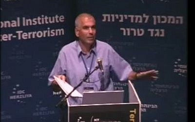 Nitzan Nuriel giving a talk in 2013. (screen capture: YouTube/ICT)