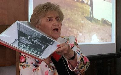 Rena Quint tells of entering Bergen-Belsen to the Pardes Institute of Jewish Studies in Jerusalem, May 4, 2016. (Amanda Borschel-Dan/Times of Israel)