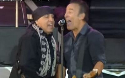Steven Van Zandt and Bruce Springsteen onstage in London in 2013 (YouTube screenshot)