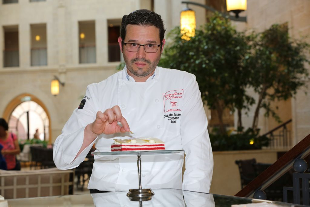 Waldorf Astoria pastry chef Claude Ben Simon shows off his Red Velvet cheesecake (Courtesy Waldorf Astoria)