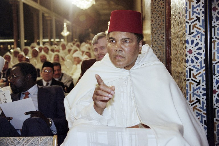 This file photo taken on January 15, 1998 shows the former World Heavyweight Champion Muhammad Ali participating in a religious ceremony for the holy month of Ramadan in the Royal Palace in Rabat. (AFP PHOTO / ABDELHAK SENNA)