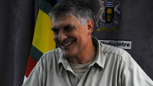 A picture taken on June 14, 2016 shows Amir Ofer, one of the former Israeli Commandos, speaking during a press conference about Entebbe hostages in Uganda, ahead of the 40th anniversary of the rescue operation. (AFP PHOTO / RONALD KABUUBI)