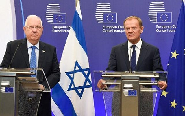 European Union Council President Donald Tusk, right, and Israeli President Reuven Rivlin give a statement after their meeting at the EU headquarters in Brussels June 21, 2016. (AFP/JOHN THYS)