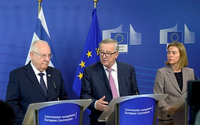 President of the European Union Commission Jean-Claude Juncker, center, President of Israel Reuven Rivlin, left, and European Union High Representative for Foreign Affairs and Security Policy Federica Mogherini following a meeting at the European Union Commission headquarter in Brussels, June 23, 2016. (AFP/THIERRY CHARLIER)