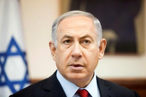 Prime Minister Benjamin Netanyahu looks on as he chairs the weekly cabinet meeting in his Jerusalem office on June 26, 2016. (AFP PHOTO / POOL / Dan Balilty)