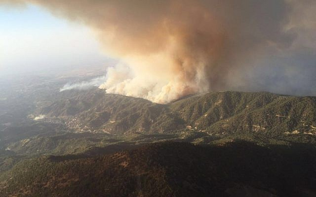 A photo of a wildfire burning near the Cypriot village of Argaka in the Paphos region, taken from an IDF firefighting plane. (IDF Spokesman)