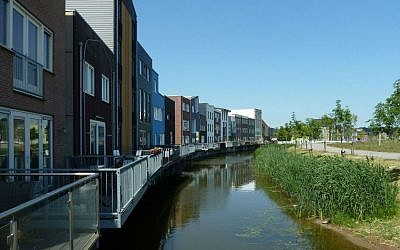 A residential area in Almere, Holland. (Wikipedia/Leuk2/CC BY-SA 4.0)