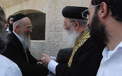 Sephardic Chief Rabbi Shlomo Amar (R) on June 5, 2016 (Courtesy/HaKotel Hesder yeshiva)