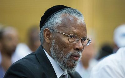 Ethiopian-Israeli Chief Rabbi Yosef Hadane during a debate of the Immigration and Absorption Committee at the Knesset, July 27, 2015. (Yonatan Sindel/Flash90)