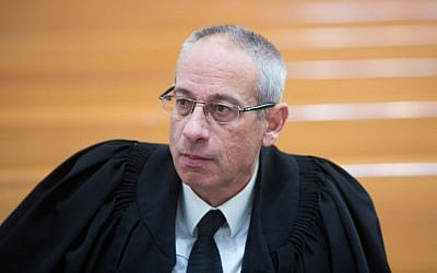 Attorney Navot Tel-Zur seen in the courtroom at the Supreme Court in Jerusalem, February 9, 2016. (Yonatan Sindel/Flash90)